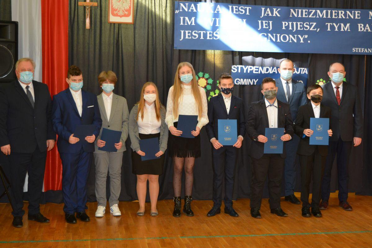 Szkoła Podstawowa w Lelicach –  Stypendia Wójta Gminy Gozdowo przyznane